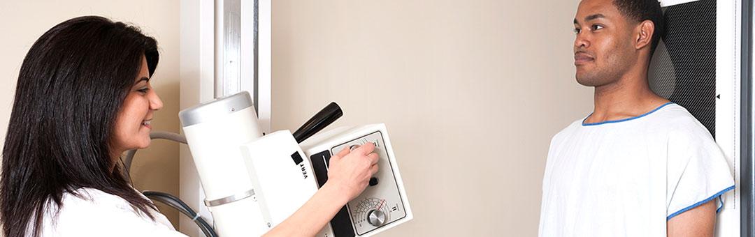 Stationært røntgenanlæg til kiropraktoren